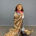"""Syrian-Girl""""-2019-Fichte-lasiert-110-x-55-x-40-cm"""
